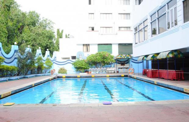 фото отеля Breeze Residency изображение №1