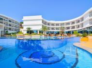 Park Regis Goa, 5*