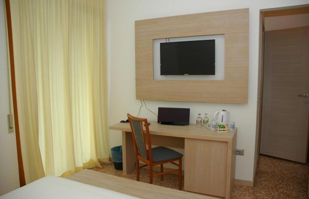 фотографии отеля Hotel Adria изображение №7