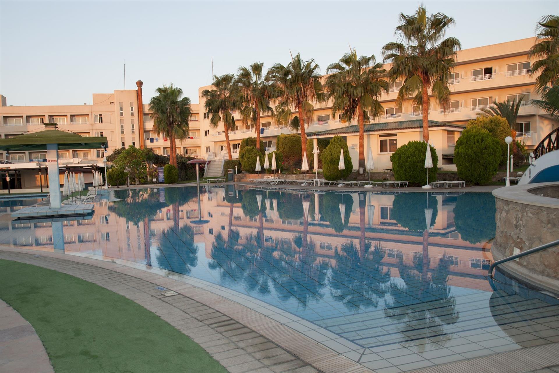 Как забронировать отель на кипре без ту купить авиабилеты из спб в милан