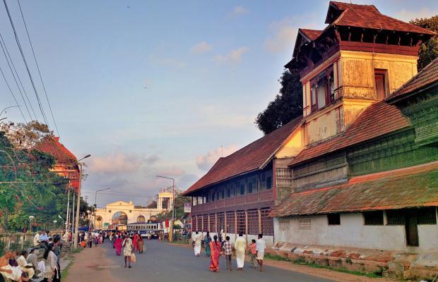фото The Capital (ех. Hotel Geeth International) изображение №14
