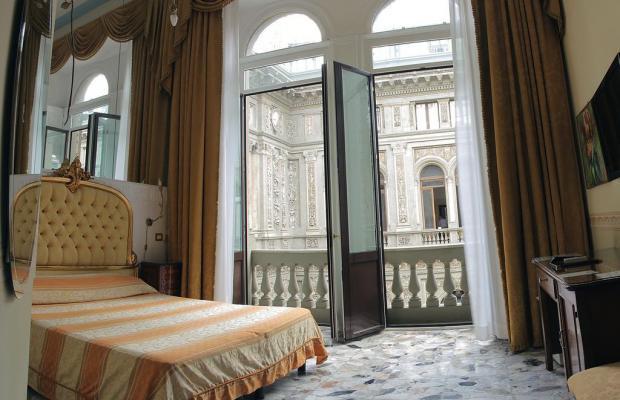 фотографии отеля B&B Suite Galleria Umberto изображение №3