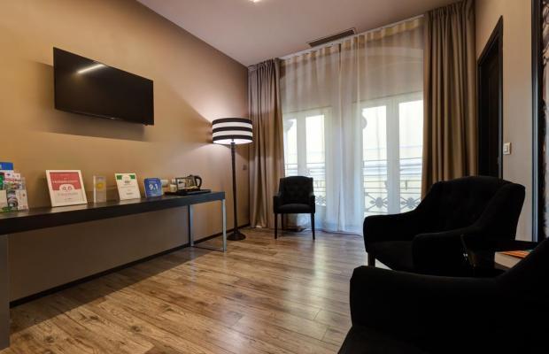 фото Dharma Hotel & Luxury Suites изображение №2