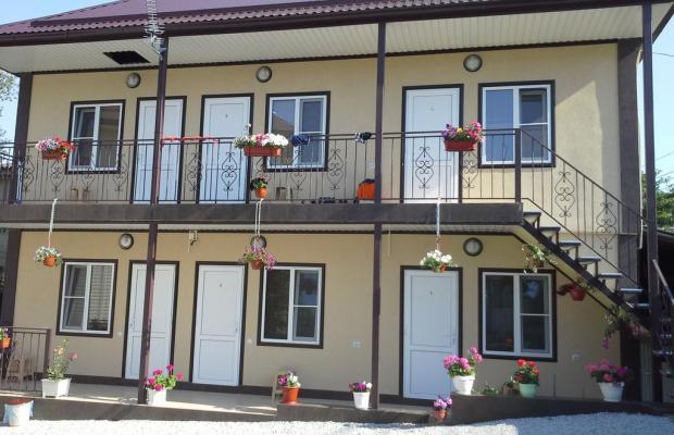 фото отеля Гостевой дом У Реки (By The River Dzubga) изображение №1