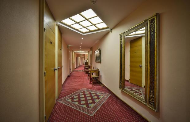 фотографии отеля Maison Rouge изображение №15
