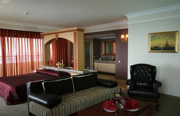 фото Utopia World Hotel изображение №22