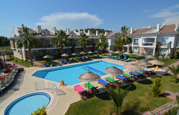 фото отеля Golden Life Blue Green Residence изображение №1