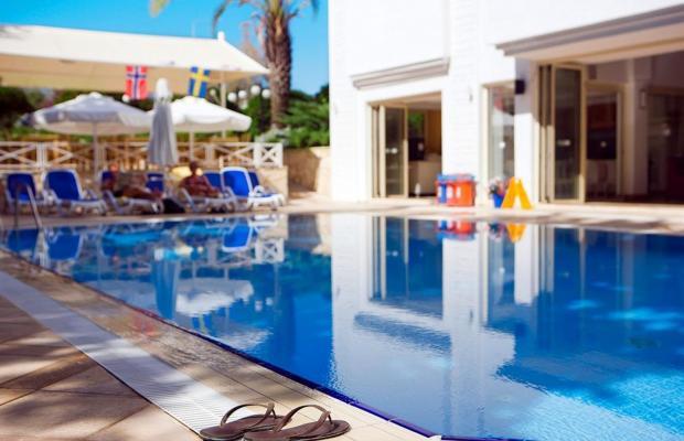 фотографии отеля Villa Adora Beach изображение №7