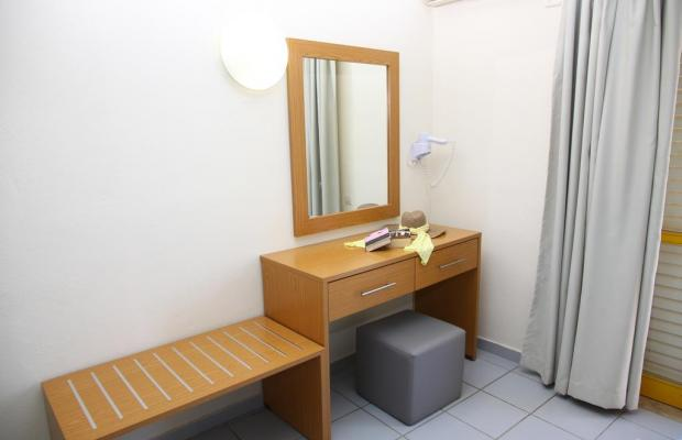 фото отеля Acropolis Apartments изображение №9