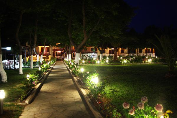 фото отеля Bungalows The Roses изображение №5