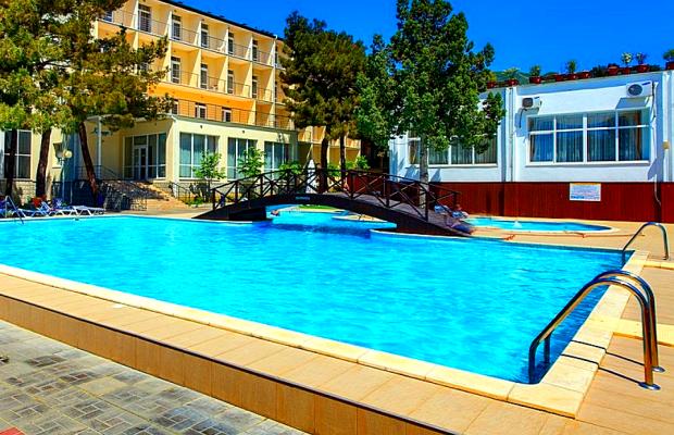фото отеля Ривьера (Riv'era) изображение №1