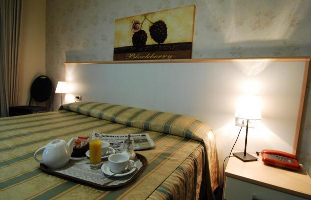 фото Hotel Milano - Albergo Ristorante Lago d' Iseo изображение №18