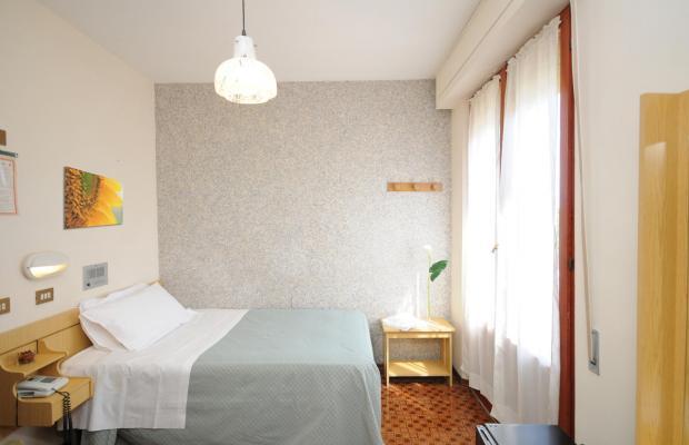 фотографии отеля Hotel Milton Iris изображение №11