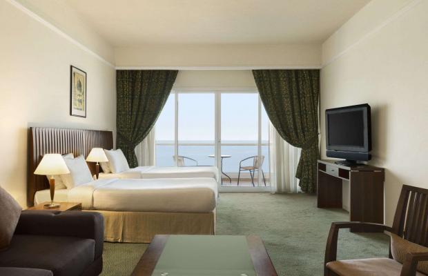 фото Ramada Beach Hotel (ex. Landmark Suites Ajman; Coral Suites) изображение №14