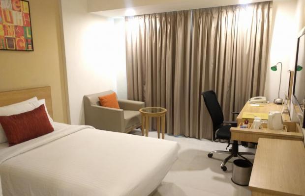 фото отеля Lemon Tree Hotel Udyog Vihar изображение №9