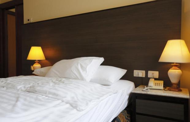 фотографии отеля Ambassador Hotel изображение №23