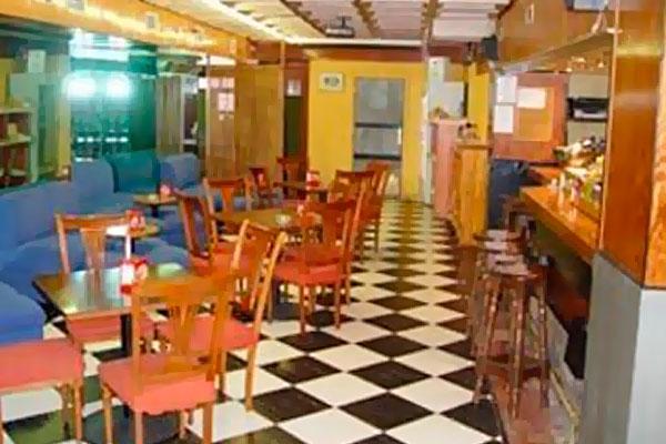 фотографии отеля Arti University Hostal II изображение №11