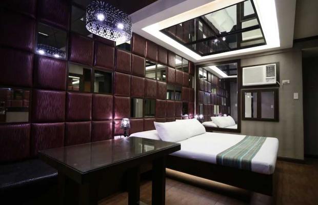 фотографии отеля Victoria Court Gil Puyat изображение №15