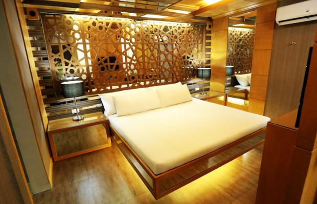 фотографии отеля Victoria Court Gil Puyat изображение №7