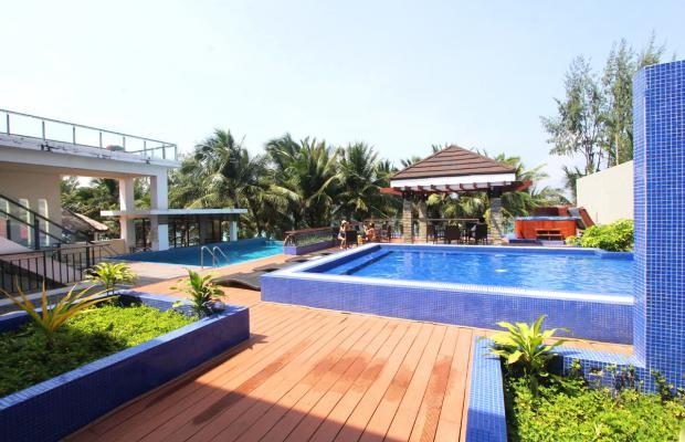 фото отеля Crown Regency Beach Resort изображение №1
