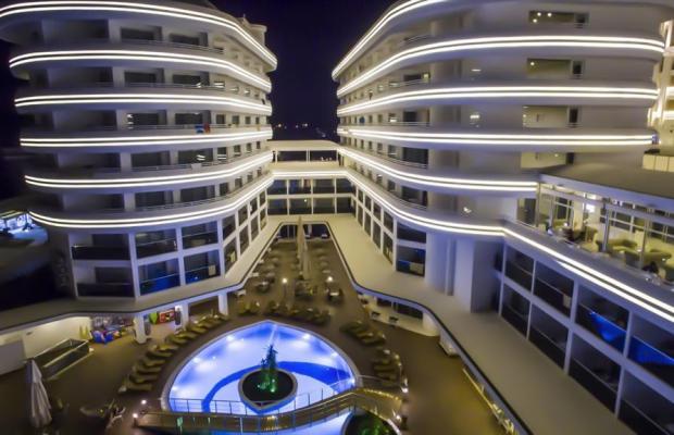 фото отеля Laguna Beach Alya Resort & Spa изображение №53