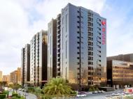 Ramada Hotel & Suites, 4*